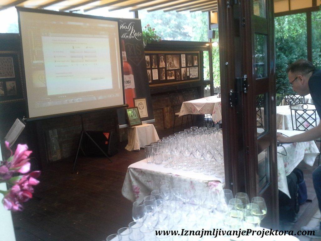Iznajmljivanje projektora za promociju vina