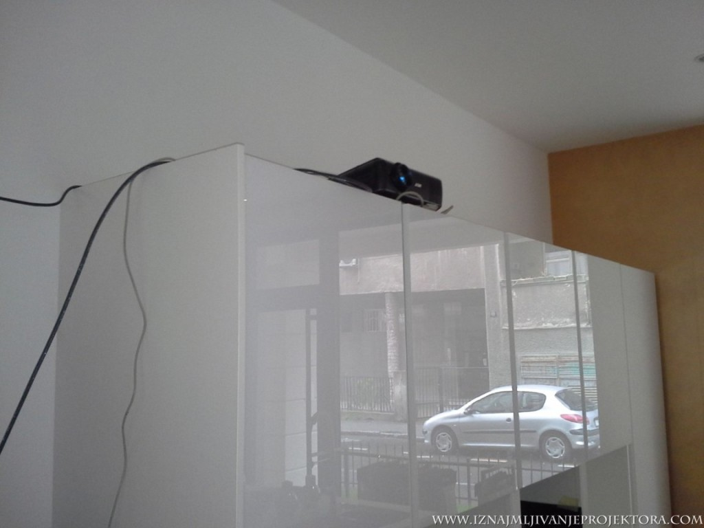 salon namestaja design italijanski iznajmljivanje projektora . com za promociju (3)