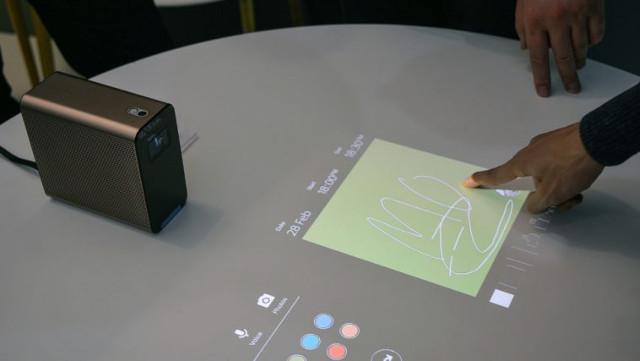 Sony Xperia Touch novi interaktivni Android projektor