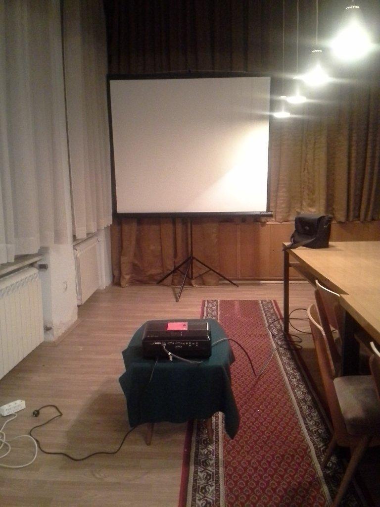 Iznajmljivanje projektora za poslovni sastanak – Udruženje pravnika Beograd