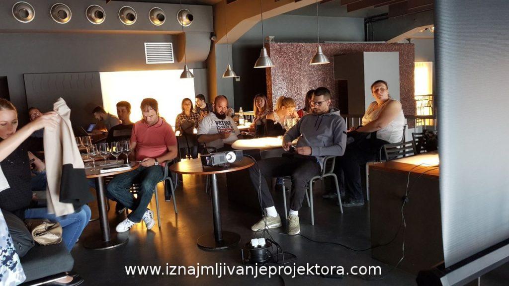 Projektor 4500 ANSI restoran Fish Zelenish