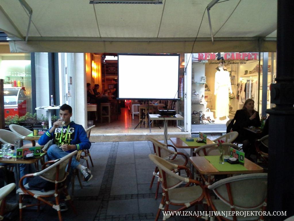 Iznajmljivanje projektora Cafe Iron Beograd
