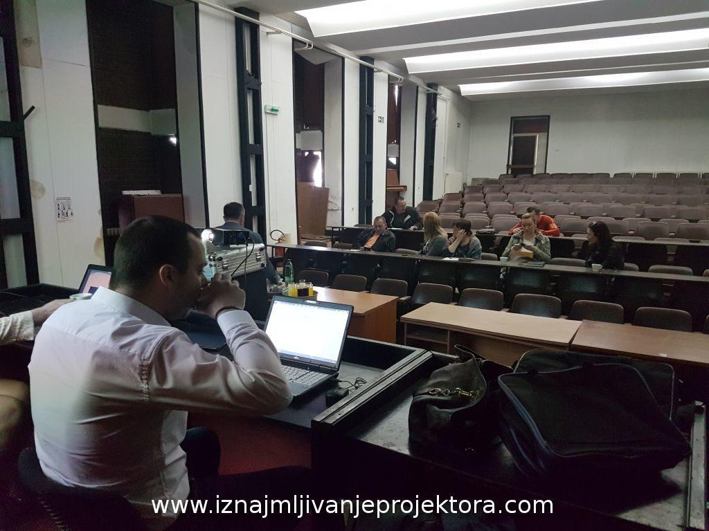 Iznajmljivanje projektora jačine 4500ANSI za JKP Beograd Put