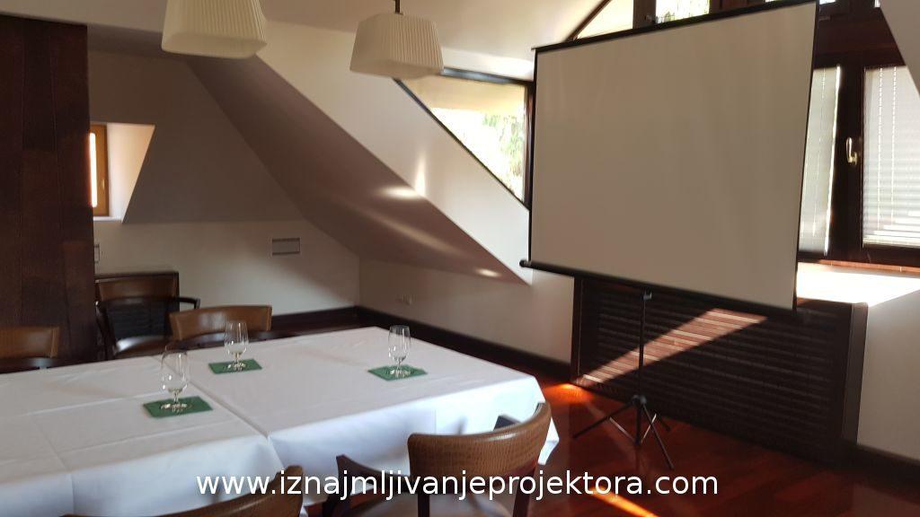 Sala za sastanke - Platno samostojeće