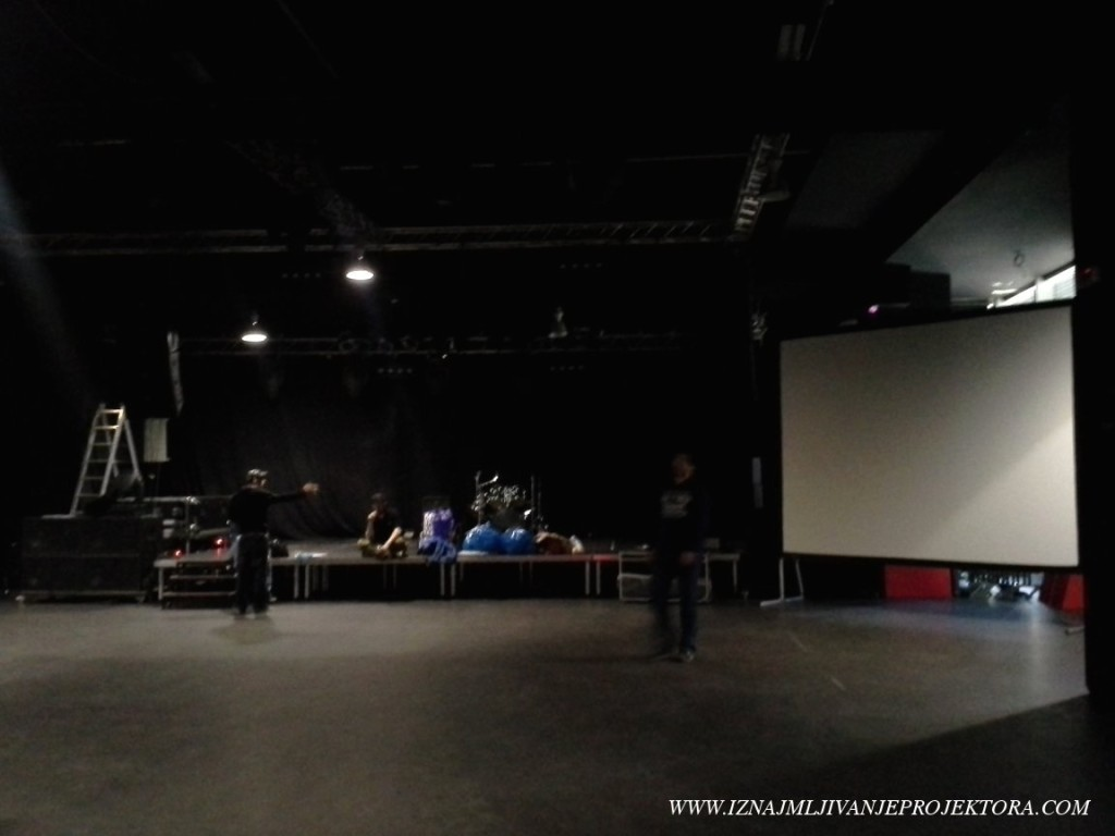 Iznajmljivanje platna za koncert u SKC u Beogradu