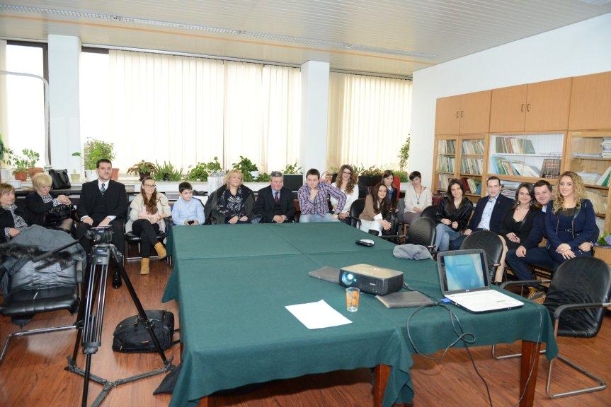 Iznajmljivanje projektora za odbranu diplomskog rada – Farmaceutski fakultet Beograd