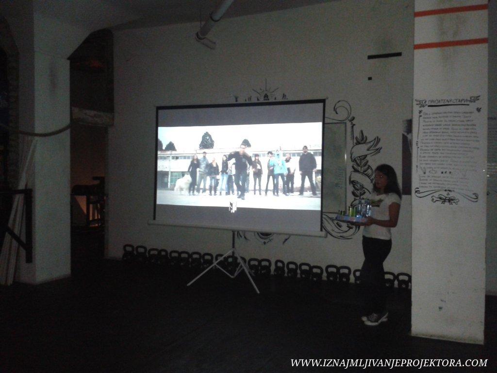 """Iznajmljivanje projektora za promociju knjige """"Priča dva vuka"""" Boška Ćirkovića Škaba"""