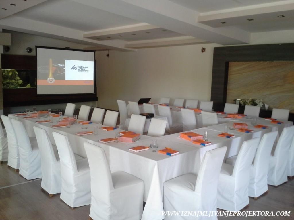restoran kostuta prezentacija poslovna (3)