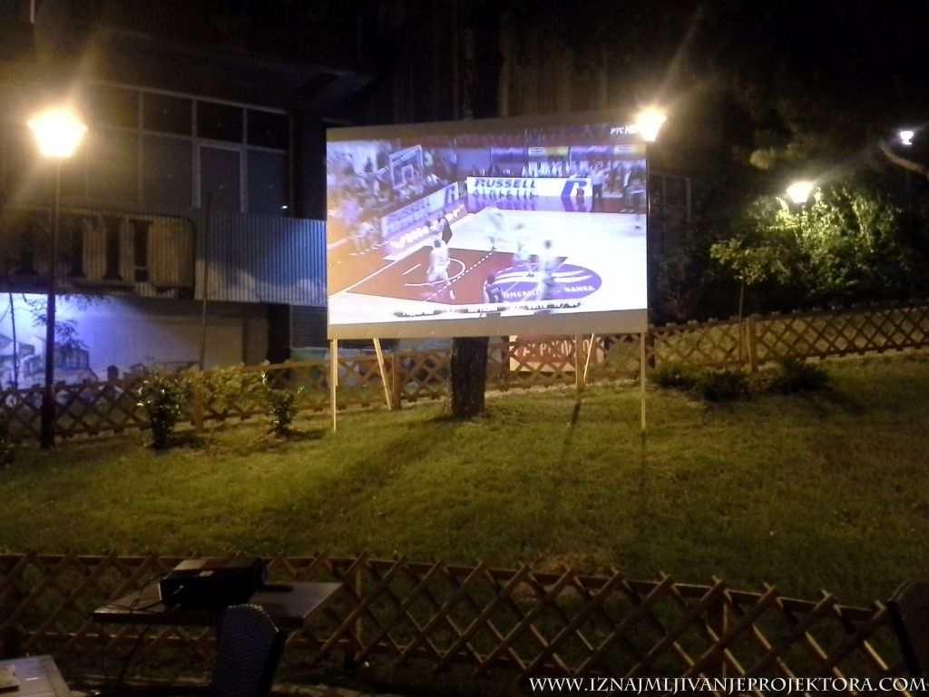 Pizzeria Per Tutti Beograd - iznajmljivanje projektora