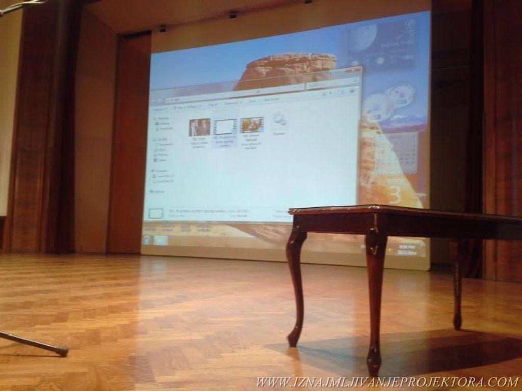Iznajmljivanje projektora i platna za Svečanu akademiju Saveza gluvih i nagluvih