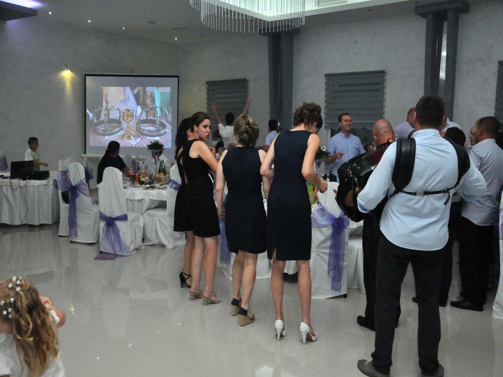 Iznajmljivanje projektora za svadbu u restoranu Javor